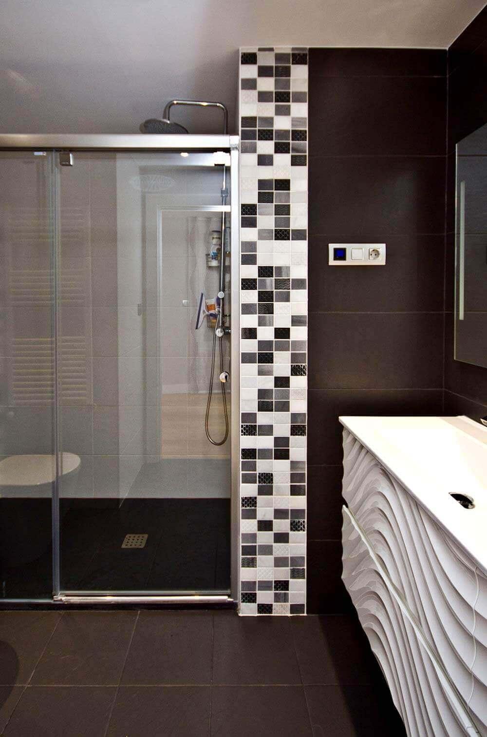 Azulejos para ducha aunque si nuestro hueco para la ducha for Duchas disenos modernos